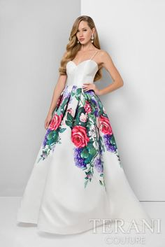 Shop for elegant prom dresses by Terani at Simply Dresses. Designer print dresses, long prom and pageant gowns, and homecoming dresses by Terani. Long Prom Gowns, Prom Dresses 2017, Long Evening Gowns, Dress Long, Party Dresses, Formal Dresses, Terani Couture, A Line Gown, Designer Dresses