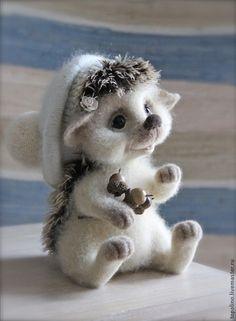 Ёжик Веснушка - валяная игрушка,ежик игрушка,ёжик из шерсти,ёжик валяный