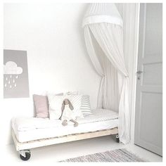 Girl room design: Simple Tips And Advice For Impressive Decor Baby Bedroom, Girls Bedroom, Bedroom Decor, White Bedroom, Master Bedroom, Deco Kids, Little Girl Rooms, Kid Spaces, Kids Decor