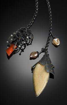 Sydney Lynch Lariat: feldspar, coral, pearls #bijouxfantaisie #bijouxcreateur #cadeaux #femme #ideescadeaux