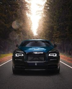 At the intersection of luxurious comfort and elevated confidence comes the Black Rolls Royce. Check out our collection of few stunning black Rolls Royce. Auto Rolls Royce, Voiture Rolls Royce, Rolls Royce Phantom, Rolls Royce Wraith Black, Rolls Royce Black, Rolls Wraith, Maserati, Bugatti, Lamborghini