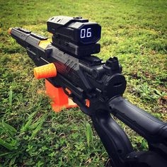 This Nitron scope / Longstrike combo is Nerf Bow And Arrow, Modified Nerf Guns, Nerf Storage, Arma Nerf, Pistola Nerf, Cool Nerf Guns, Nerf Mod, Nerf Party, Toy Rooms