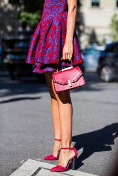 Estilo lady con zapatos de terciopelo
