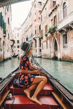 Let's go to Venice! Venetië kennen we natuurlijk allemaal van de gondels, maar deze stad heeft zoveel meer te bieden! Ga het zelf ontdekken tijdens een citytrip naar deze mooie stad: https://ticketspy.nl/city-trips/wauw-va-e89-een-stedentrip-naar-venetie-yes-3-dagen-4-hotel-inclusief-ontbijt-en-vluchten/