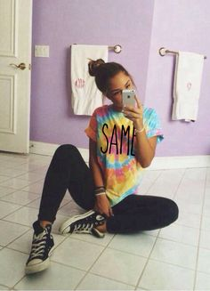 tie dye tshirt, black jeans, and black converse ? wish I had a tie dye shirt like that Lazy Day Outfits, Cute Summer Outfits, Casual Outfits, Grunge Outfits, Cute Outfits For School For Teens, Scene Outfits, Casual Wear, Tie Dye Outfits, Skater Outfits