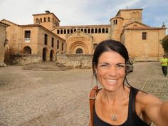Fotografía: Sandra Rastelli- Santillana del Mar Sandro, Louvre, Building, Travel, Lisbon, Boating, Port Wine, Santiago De Compostela, Walks