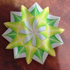 Zen Origami Origami Leaves, Origami Stars, Diy Paper, Paper Art, Paper Crafts, Zen, Alcohol Ink Crafts, Paper Folding, Kirigami