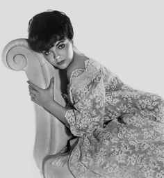 Portrait of Joan Collins for Rally, round the flag, boys! directed by Leo McCarey, 1958 Dj Like, Dame Joan Collins, Cinema, Elizabeth Hurley, Guys And Dolls, Hooray For Hollywood, Joan Crawford, British Actresses, Hot Actresses