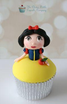 These cupcakes feature Kawaii version of Cinderella, Snow White, Rapunzel, Belle, and Princess Jasmine Ladybug Cupcakes, Snowman Cupcakes, Giant Cupcakes, Sweet Cupcakes, Fondant Cupcakes, Making Cupcakes, Snow White Cupcakes, Snow White Cake, Disney Princess Cupcakes