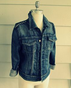 I don't know if you have realized this but the trend lately seems to be studs. Not only is this trend relatively easy to copy, it can a. Diy Clothes Tops, Diy Clothes Hangers, Diy Clothes Videos, Diy Clothes Tutorial, Diy Clothes Refashion, Diy Clothing, Diy Clothes Organiser, Studded Denim Jacket, Jacket Images