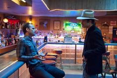 Still of Walton Goggins and Timothy Olyphant in Justified