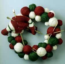 Knitting Holiday Wreath!