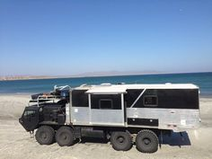 HEMTT Expedition Vehicle, nice modification into a z day survival vehicle Off Road Rv, Off Road Camper, Truck Camper, 4x4 Trucks, Cool Trucks, Offroad, Hors Route, Survival, Bug Out Vehicle