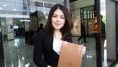 Mengejutkan!!! Aktris Tina Toon Memutuskan Maju ke Dunia Politik Lewat Bursa Calon Legislatif