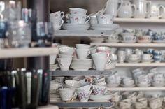 shop in vintage arabia Helsinki, Ceramics, Glass, Shopping, Vintage, Ceramica, Pottery, Drinkware, Corning Glass