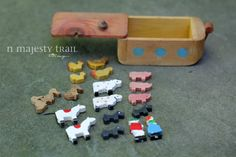Noahs Ark Wooden Childrens Toy. Vintage. Boat w 19 Animals, Noah. Hinged Lid. Classic Bible Story. FUN. Learning Tool. Old Fashioned Toy.