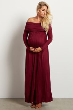 ​Stock up on warm essentials as we move toward fall and winter. This cowl neck long sleeve maternity maxi dress will give the a comfortable, stylish look you want day or night while saving you from the cool, crisp air thanks to its long sleeves.