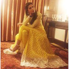 #MahiraKhan in #NidaAzwar