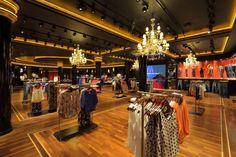 Cuesta Blanca Store by Botner - Pecina Arquitectos, Buenos Aires - Argentina Design Blog, Store Design, City Select, Call For Entry, Store Windows, Retail Interior, Chengdu, Retail Design, Visual Merchandising