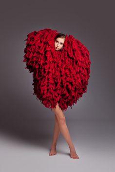 Modeconnect.com - Kristel Kuslapuu oversized red knitwear
