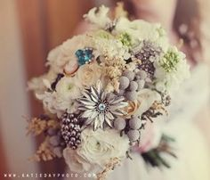 vintage-pin-brooch-and-real-flower-bouquet.jpg Photo: This Photo was uploaded by glostar. Find other vintage-pin-brooch-and-real-flower-bouquet. But it could be vintage pin/silk flower bouquet. Prom Flowers, Wedding Flowers, Real Flowers, Silk Flowers, Vintage Winter Weddings, Broach Bouquet, Def Not, Winter Wedding Inspiration, Wedding Designs