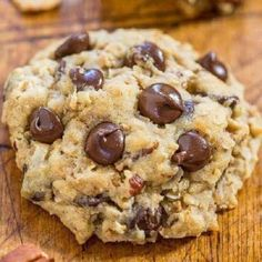 Cowboy Cookies - Chewy oats, sweet coconut, crunchy pecans, and plenty of chocolate! Hearty with tons of texture and they stay soft and chewy! Everyone (not just cowboys) loves these cookies! Köstliche Desserts, Delicious Desserts, Dessert Recipes, Yummy Food, Healthy Food, Healthy Eating, Weight Watcher Desserts, Weight Watcher Cookies, Weight Watchers Brownies