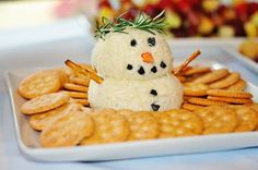 Such a creative way to serve cheese and crackers at a Winter Wonderland party! See more party ideas Snowman Birthday Parties, Snowman Party, Frozen Birthday Party, Frozen Party, Birthday Ideas, Birthday Pictures, Christmas Baby Shower, Baby Shower Winter, Baby Winter