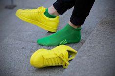 Falke Socken vs. adidas Originals Supercolor Pack