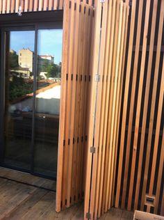 volets pliants bois pour fenêtres et persiennes Nos réalisations Aménagement intérieur et extérieur Nice - Mad Menuiserie