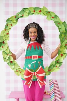 How to Make a Hula Hoop Wreath - Damask Love Modern Christmas, Christmas Holidays, Christmas Wreaths, Christmas Crafts, Christmas Decorations, Christmas Ideas, Christmas Yard, Office Christmas, Grinch Christmas