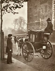 British Paintings: Victorian London street life in historic photographs book Victorian London, Vintage London, Victorian Life, London 1800, 19th Century London, Victorian Street, Victorian Fashion, Vintage Pictures, Old Pictures