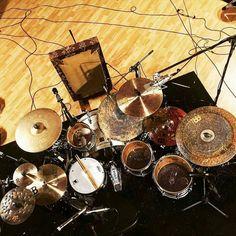 @myendingreign #drumsview#drums#drumkit#drumset#percussion#drummer#percussionist#musician#drumstick#drum#drumming#drumlife#drumslife#drumporn#drumstagram#cymbals#drumsticks#lovedrums#instaview#art#rhythm#tempo#view#music#drumfam#instadrums#drumsfromabove#drumsetup by drumsview