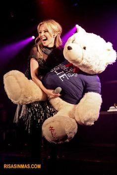 El osito de Kelly Minogue  http://bit.ly/HTnfV3