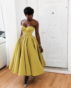 Black Girl Fashion, Look Fashion, Womens Fashion, Yellow Fashion, 2000s Fashion, Petite Fashion, Retro Fashion, Winter Fashion, Fashion Tips