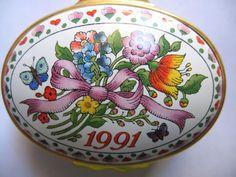 Halcyon Days Enamel Box Trinket Pill Box 1991 A Year To Remember Flower Bouquet #HalcyonDays
