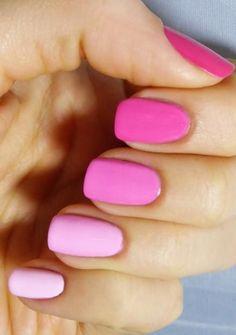 Uñas con diferentes tonos de rosa <3