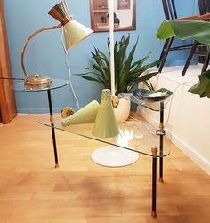 Table d'appoint tripode, France, 1950 Vevey, Desk Lamp, Table Lamp, Vintage Design, France, Lighting, Home Decor, Table Lamps, Decoration Home