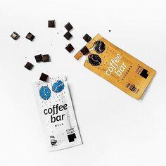 Coffee Pixels e un produs care plesnește de creativitate: arată precum o ciocolată, dar... e cafea!  Dacă ar fi să alegi între următoarele sortimente de Coffee Pixels, ce ai prefera?  𝐓𝐚𝐛𝐥𝐞𝐭𝐚 𝐂𝐨𝐟𝐟𝐞𝐞 𝐏𝐢𝐱𝐞𝐥𝐬 𝐂𝐚𝐬𝐜𝐚𝐫𝐚 𝐓𝐚𝐛𝐥𝐞𝐭𝐚 𝐂𝐨𝐟𝐟𝐞𝐞 𝐏𝐢𝐱𝐞𝐥𝐬 𝐌𝐢𝐥𝐤 Milk, Enamel, Accessories, Tablet Computer, Green, Vitreous Enamel, Enamels, Tooth Enamel, Glaze