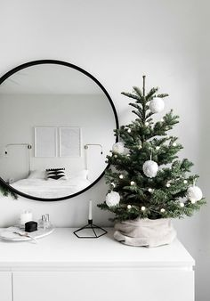 114 best small christmas trees images on pinterest in 2018 christmas decorations christmas ornaments and christmas things - Christmas Decorations For Small Trees