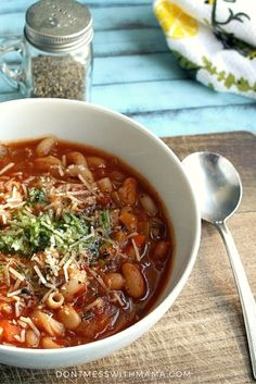 Instant Pot Minestrone Soup Recipe {Pressure Cooker, Gluten Free} - make this simple, yet hearty and delicious soup from start to finish in less than 20 minutes. It's gluten-free and there's an option to make it vegan as well - DontMesswithMama.com