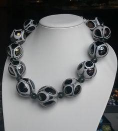 Drop - Mouth-blown glass beads. Suupuhalletuista lasihelmistä valmistettu kaulakoru. Glass Necklace, Drop, Chain, Jewelry, Bijoux, Jewlery, Jewels, Jewelery, Jewerly