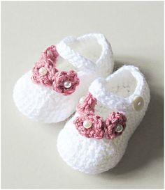 Pearl Flower Newborn Crochet Booties - STYLESIDEA