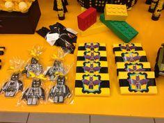 Kit kat grande com lego Batman e biscoitos do Lego batman