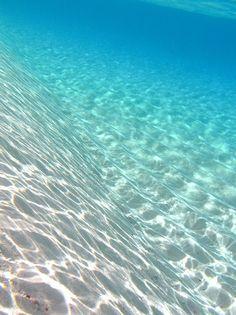 ocean dive: turquoise & blue | beach, ocean & sea . Strand & Meer . plages & mer |