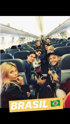 Familia viajando pra São Paulo❤ Disney Channel, Ambre Smith, Sou Luna Disney, Kira Kosarin, Story Instagram, Son Luna, Best Shows Ever, On Set, Fangirl