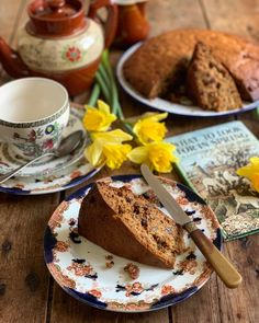 Welsh Recipes, My Recipes, Favorite Recipes, Afternoon Tea Cakes, Moist Cakes, Wonderful Recipe, Pie Plate, Tea Time, Dishes