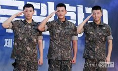 I feel like Ji Chang Wook and Kang Ha Neul are having a complete blast serving their military enlistment. It's by happenstance that the two popular actors and also musical veterans are serving in the army around the same time … Continue reading → Kang Haneul, Empress Ki, Military Training, Independent School, Dong Hae, Soap Stars, Lee Seung Gi, Military Academy, Ji Chang Wook