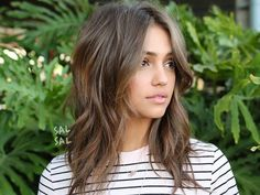 Women's Undone Wavy Shag with Long Curtain Bangs and Soft Ash Brown Balayage with Bronze Highlights Medium Length Hairstyle - Frisuren Mittelemo Onbre Hair, Hair Dos, New Hair, Curls Hair, Blonde Hair, Haircut Wavy Hair, Bangs Long Hair, Lob Haircut With Bangs, Haircut Layers