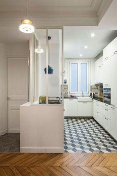 L'architecte d'intérieur Charlotte Vinet signe une cuisine de 8 m2 entre rétro et modernité.
