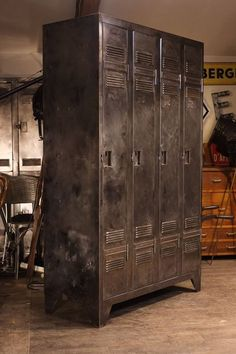 Untitled Industrial Farmhouse, Industrial Interiors, Industrial Chic, Industrial Furniture, Vintage Industrial, Vintage Lockers, Metal Lockers, Iron Furniture, Home Furniture